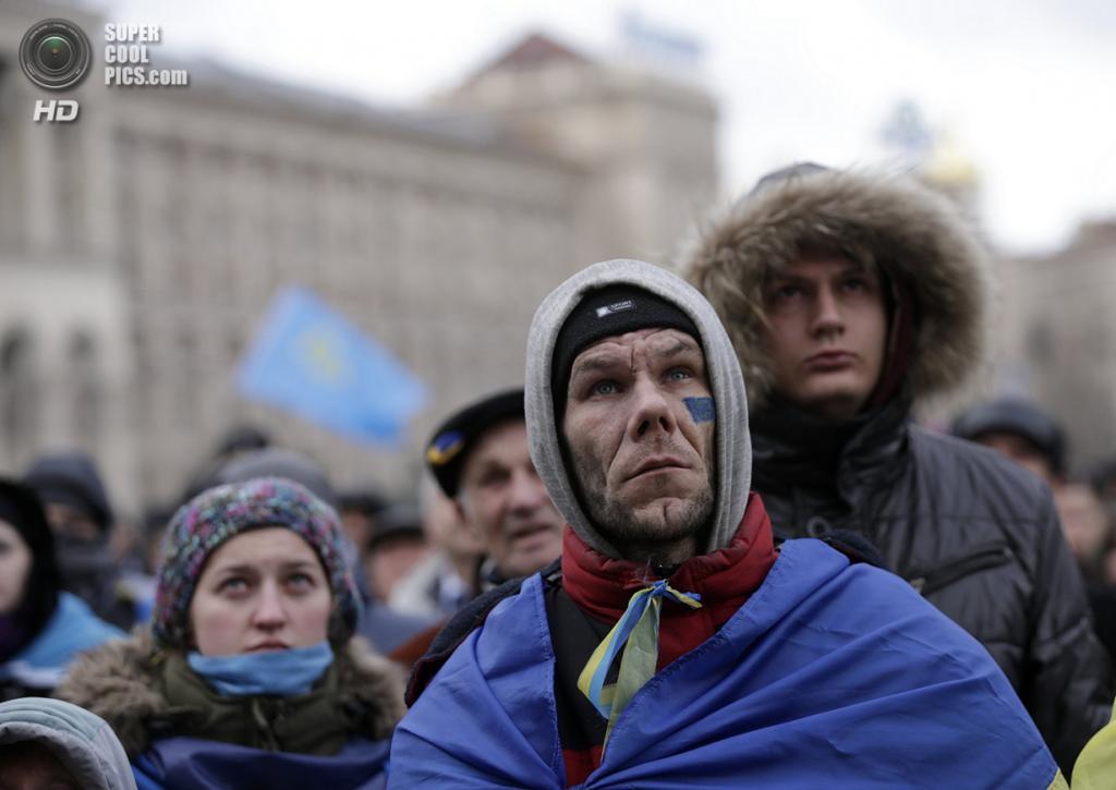 Украина. Киев. 29 ноября. На Евромайдане. (REUTERS/Stoyan Nenov)