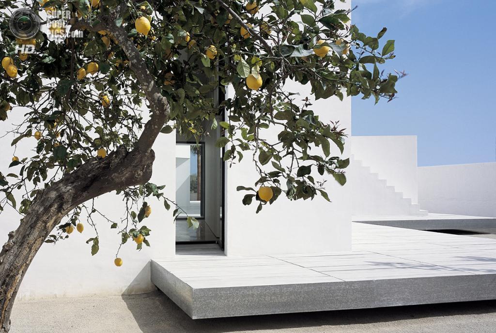 Испания. Таррагона, Каталония. Частный дом House 2 for a Photographer, спроектированный OAB. (Alejo Bague)
