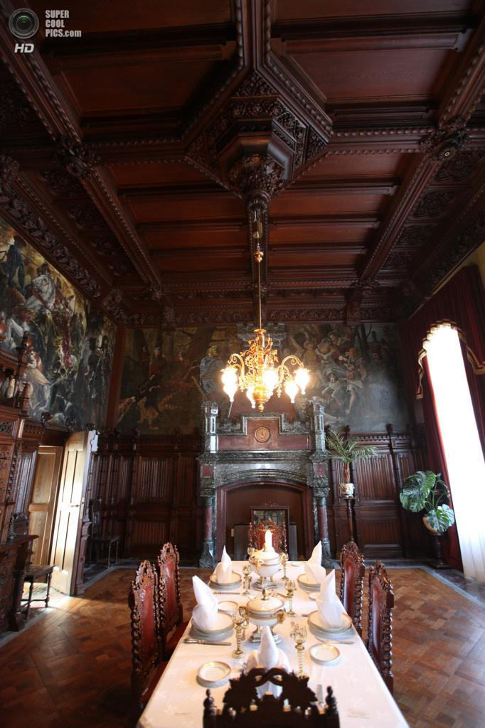 Германия. Кёнигсвинтер, Северный Рейн-Вестфалия. Замок Драхенбург. (Ryan Van Veen)