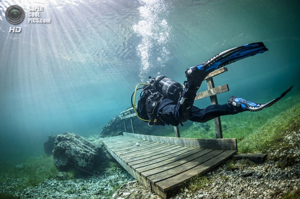 Австрия. Трагёс, Штирия. Озеро Грюнер Зее, или Зелёное озеро. (Solnet/The Grosby Group)