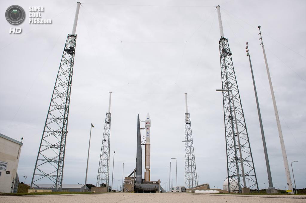 США. Канаверал, Флорида. 16 ноября. Ракета-носитель «Атлас V» с космическим аппаратом MAVEN на стартовой площадке. (NASA/Bill Ingalls)