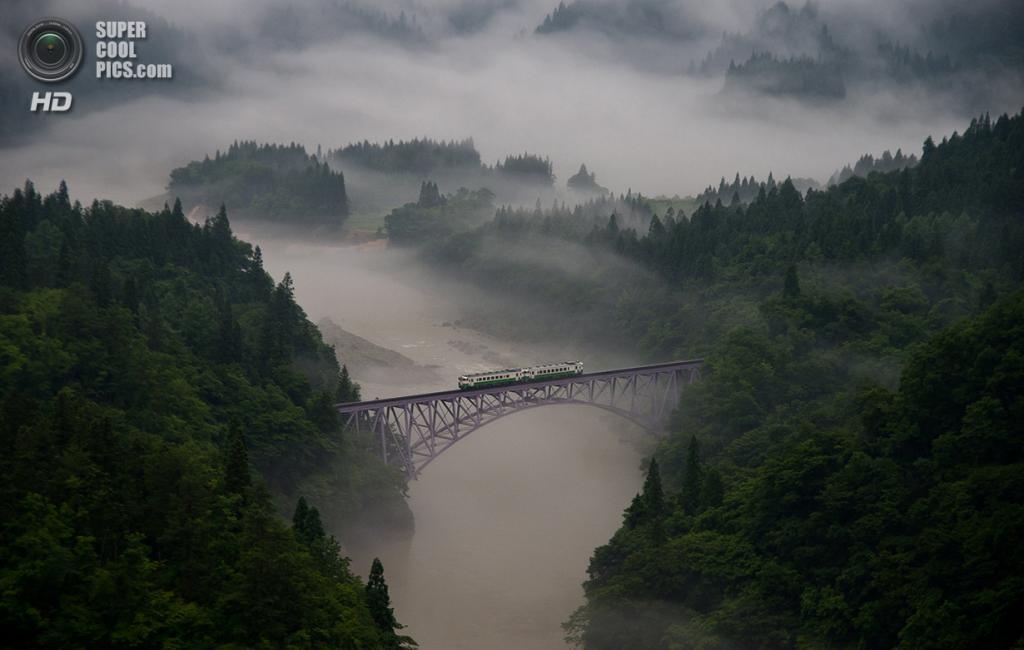 «Бесконечное путешествие». Место съемки: Япония. Мисима, Фукусима. (Teruo Araya/National Geographic Photo Contest)