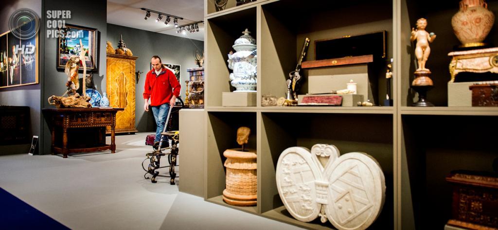 Нидерланды. Амстердам. Подготовка к художественной ярмарке PAN Amsterdam в выставочном центре RAI. (ANP/Koen van Weel)