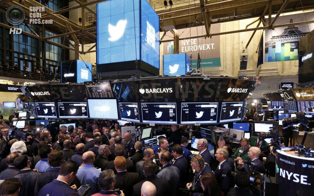 США. Нью-Йорк. 7 ноября. Начало IPO Twitter на Нью-Йоркской фондовой бирже. (REUTERS/Lucas Jackson)