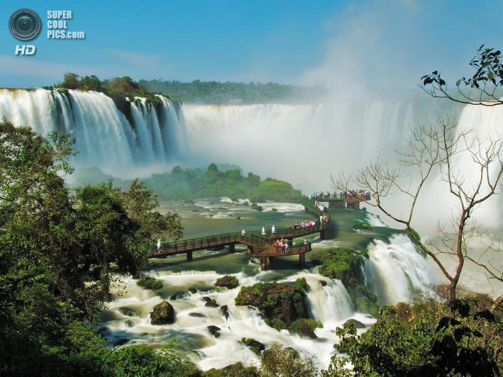 Граница Бразилии и Аргентины. Водопады Игуасу. (Rafael Defavari)