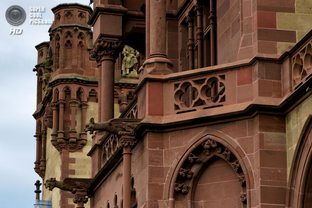 Германия. Кёнигсвинтер, Северный Рейн-Вестфалия. Замок Драхенбург. (Matthias Neugebauer)