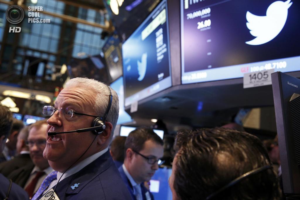 США. Нью-Йорк. 7 ноября. IPO Twitter на Нью-Йоркской фондовой бирже. (REUTERS/Lucas Jackson)