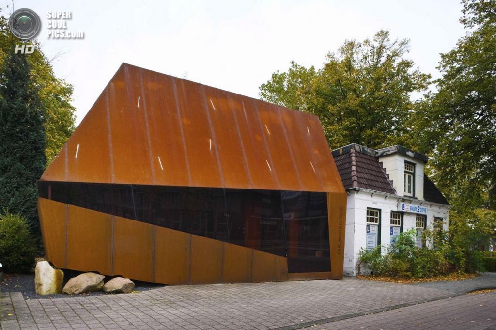 Нидерланды. Эммен, Дренте. Офисное здание Orangerock, спроектированное Möhn + Bouman. (Sarah Blee)