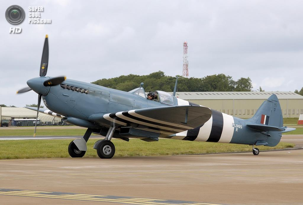 Supermarine Spitfire. (Arpingstone)