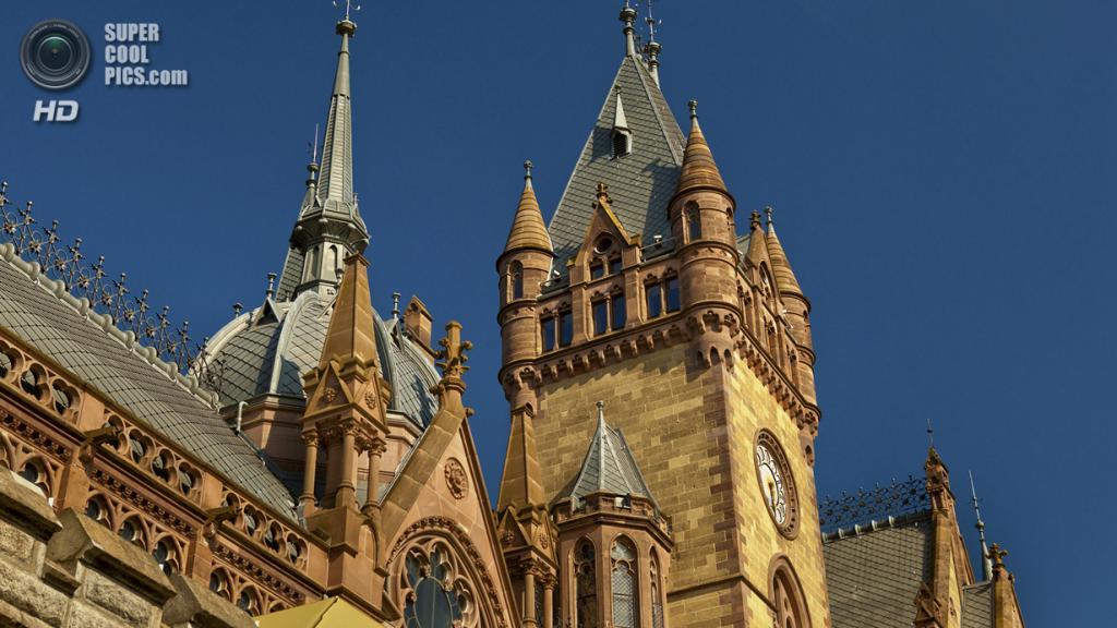 Германия. Кёнигсвинтер, Северный Рейн-Вестфалия. Замок Драхенбург. (Reinhard Goldmann)