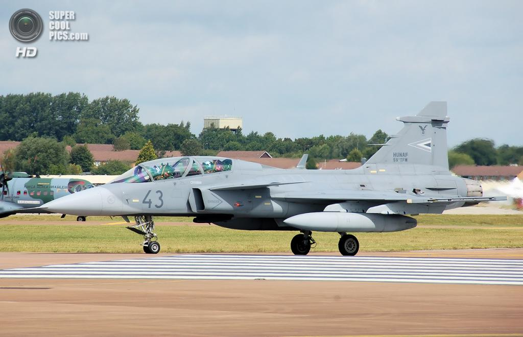 Saab JAS 39 Gripen. (Adrian Pingstone)