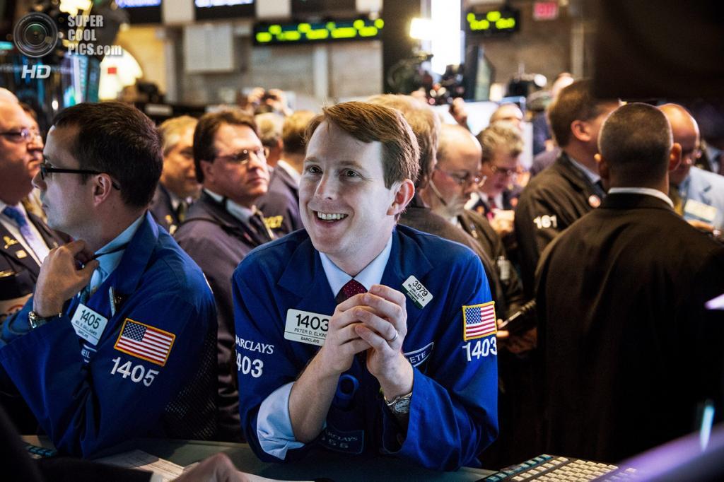 США. Нью-Йорк. 7 ноября. IPO Twitter на Нью-Йоркской фондовой бирже. (Andrew Burton/Getty Images)