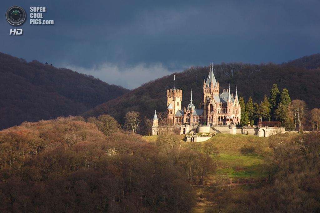 Германия. Кёнигсвинтер, Северный Рейн-Вестфалия. Замок Драхенбург. (Kerstin Rüttgerodt )