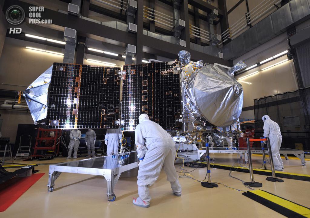 США. Денвер, Колорадо. 21 марта. Конструирование и тестирование космического аппарата MAVEN. (Lockheed Martin)