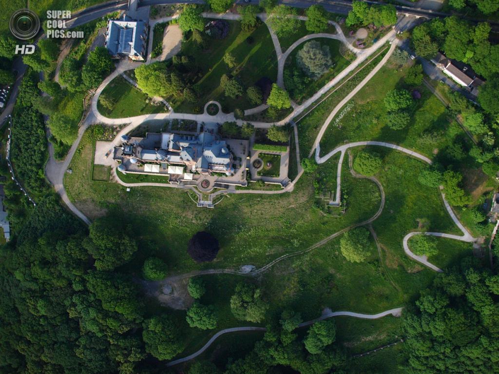 Германия. Кёнигсвинтер, Северный Рейн-Вестфалия. Замок Драхенбург. (Wolkenkratzer)