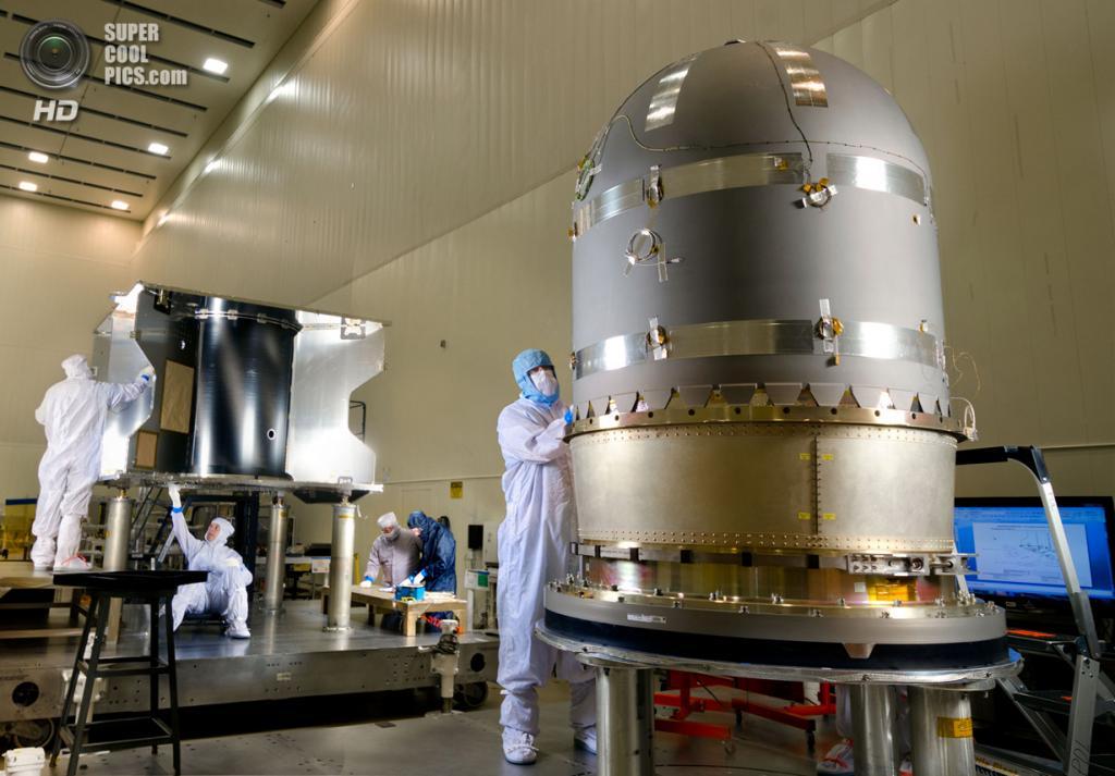 США. Денвер, Колорадо. 1 марта. Конструирование и тестирование космического аппарата MAVEN. (Lockheed Martin)