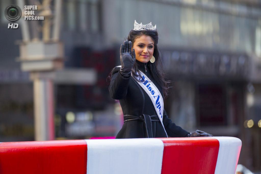 США. Нью-Йорк. 28 ноября. Во время парада в честь Дня благодарения. (Gordon Donovan)
