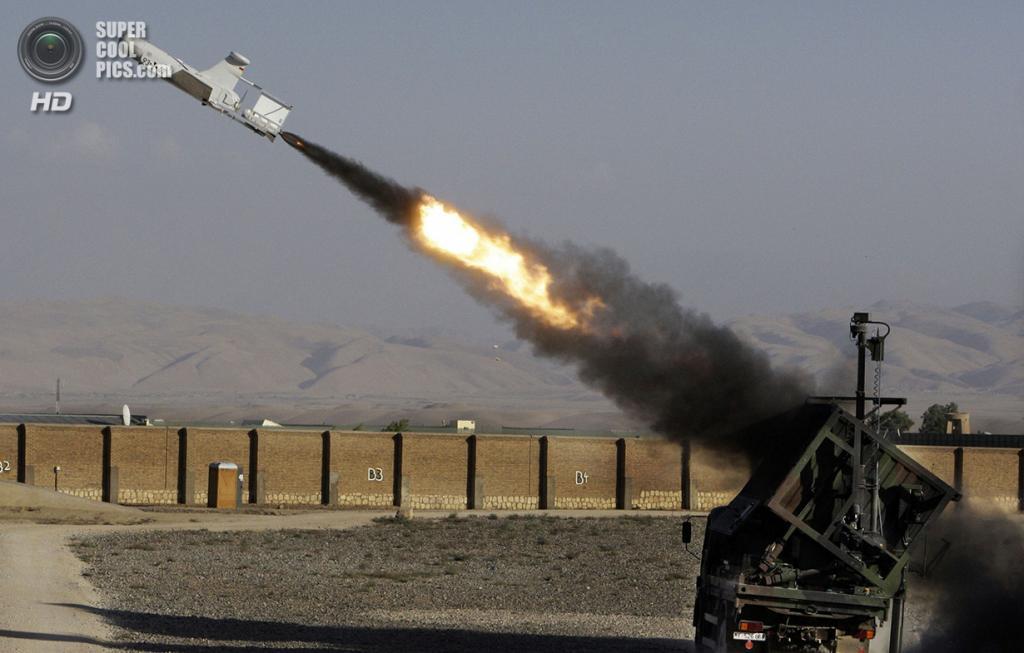 Афганистан. Кундуз. 4 сентября 2009 года. Взлёт немецкого боевого дрона KZO. (AP Photo/Anja Niedringhaus)