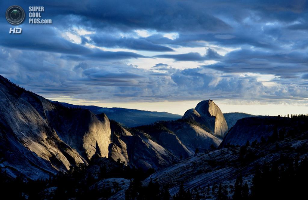 «Последний луч на Хаф-Доуме». Место съемки: США. Йосемити, Калифорния. (Douglas Croft/National Geographic Photo Contest)