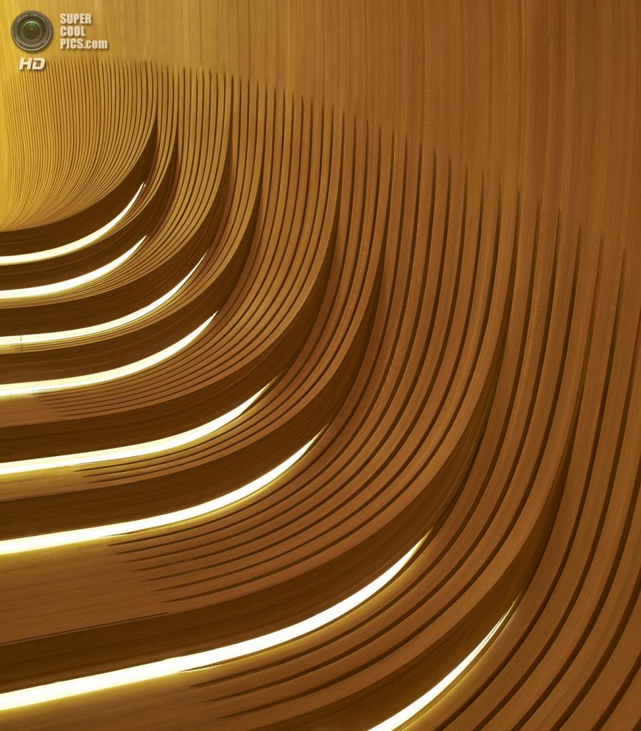 Азербайджан. Баку. Центр Гейдара Алиева, спроектированный Zaha Hadid Architects. (Hufton + Crow)