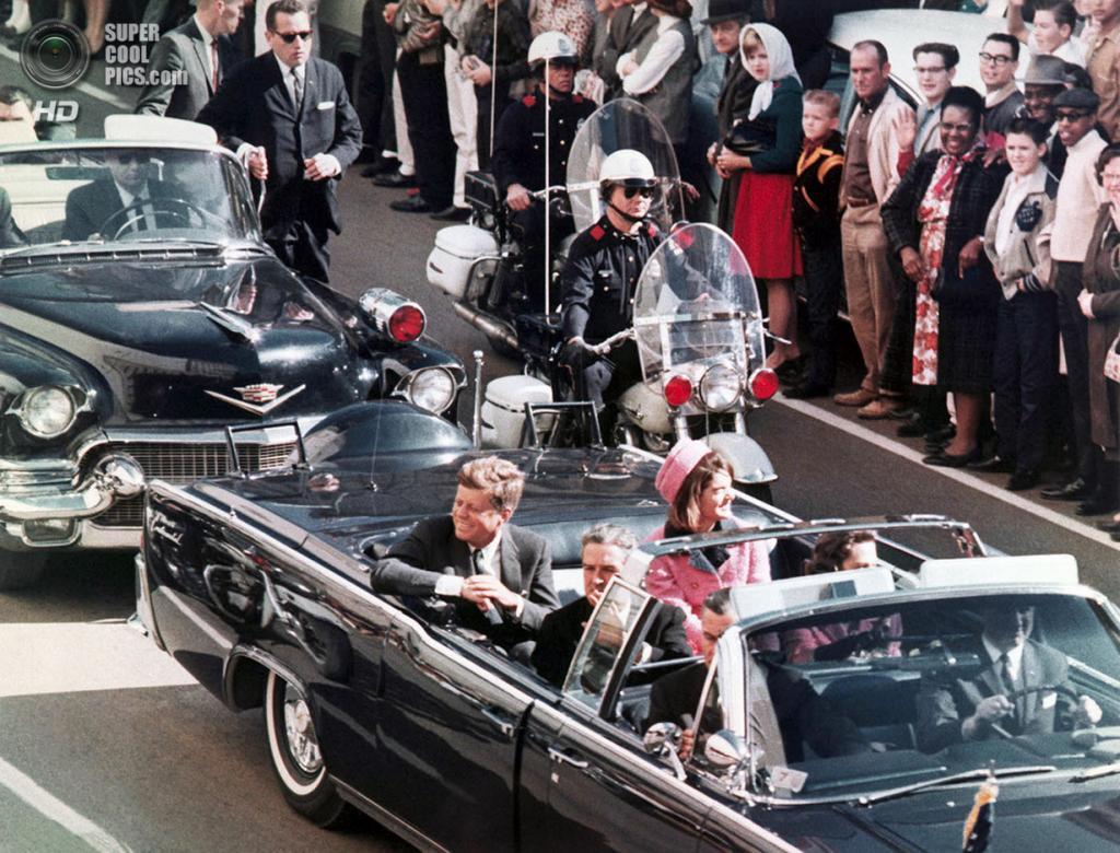 США. Даллас, Техас. 22 ноября 1963 года. Автоколонна Джона Ф. Кеннеди. (PRNewsFoto/Newseum)