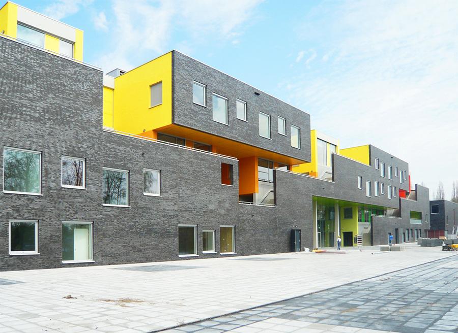 Нидерланды. Амстелвен, Северная Голландия. Амстелвенский колледж, спроектированный DMV architecten. (DMV architecten)