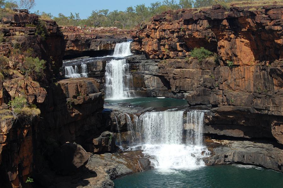 Потрясающий каскадный водопад Митчелл (8 фото)