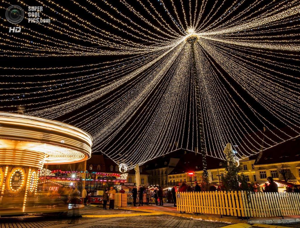 Рождественские огни. (Nicu Chirobocea)