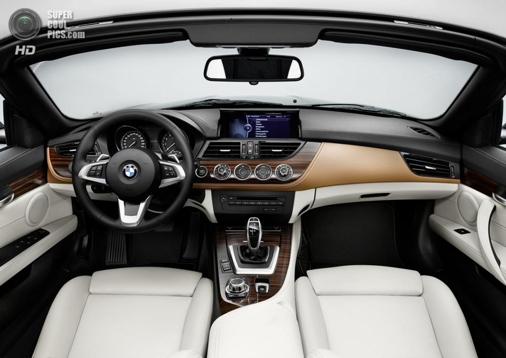 BMW Z4 with Pure Fusion Design. (BMW AG)