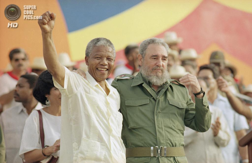 Куба. Матансас. 27 июля 1991 года. Нельсон Мандела и Фидель Кастро. (AP Photo)