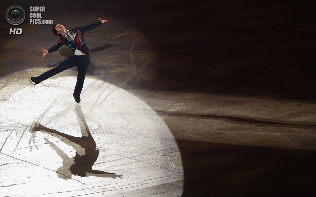 Япония. Фукуока. 8 декабря. Патрик Чан из Канады в Финале Гран-при по фигурному катанию. (REUTERS/Issei Kato)