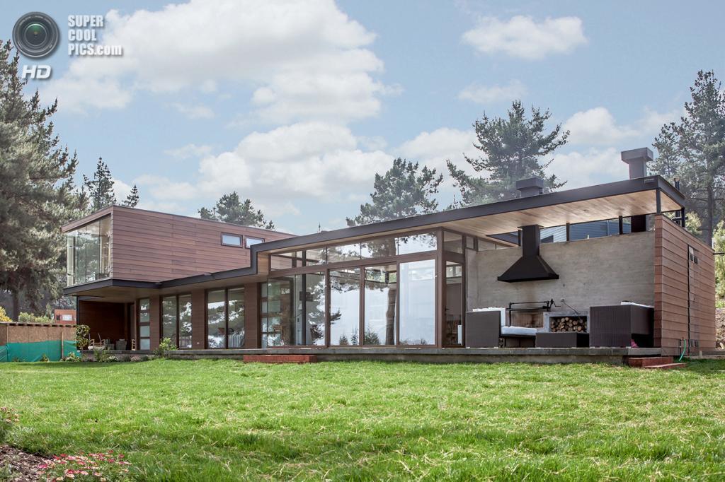 Чили. Сапальяр, Вальпараисо. Частный дом Bustamante House, спроектированный PAR Arquitectos. (Diego Elgueta)