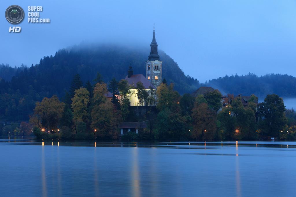 Словения. Крайна. Бледское озеро. (Kyle Bunting)