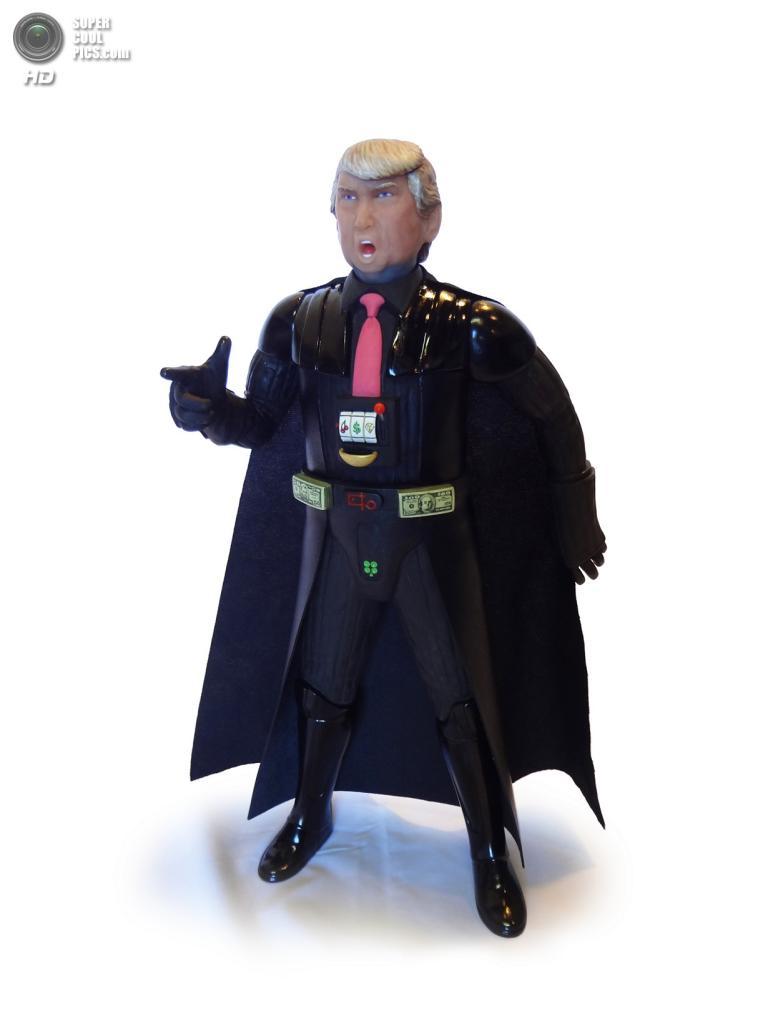 Дональд Трамп в роли Дарта Вейдера. (Mike Leavitt/Rex USA)