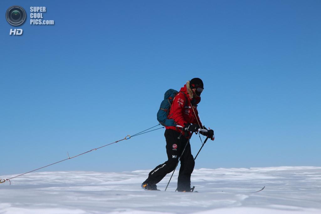 Антарктида. 3 декабря. Принц Гарри во время антарктической экспедиции. (Victoria Nicholson/WWTW via Getty Images)