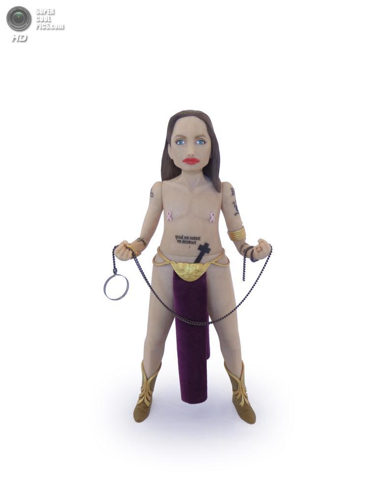 Анджелина Джоли в роли принцессы Леи. (Mike Leavitt/Rex USA)