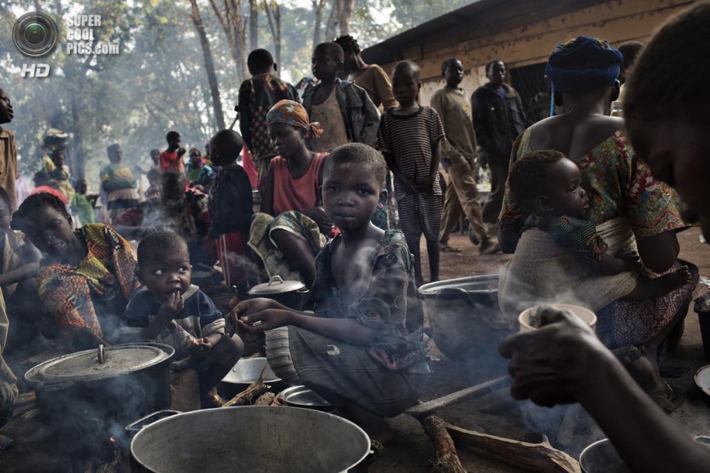 Центральноафриканская Республика. Босангоа, Уам. 2 ноября. В лагере для беженцев. (Marcus Bleasdale/VII)