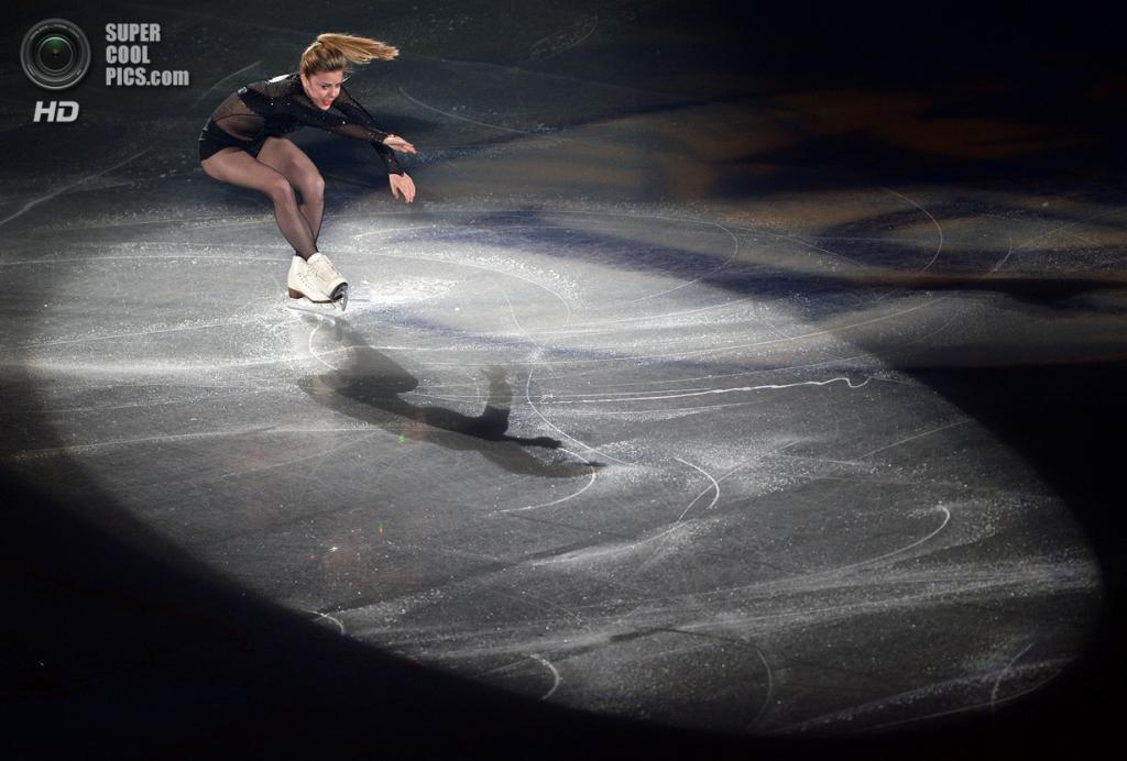 Япония. Фукуока. 8 декабря. Эшли Вагнер из США в Финале Гран-при по фигурному катанию. (TORU YAMANAKA/AFP/Getty Images)