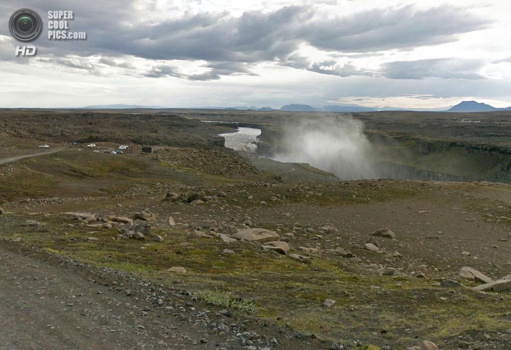Исландия. Деттифосс — самый мощный водопад Европы. (Google)