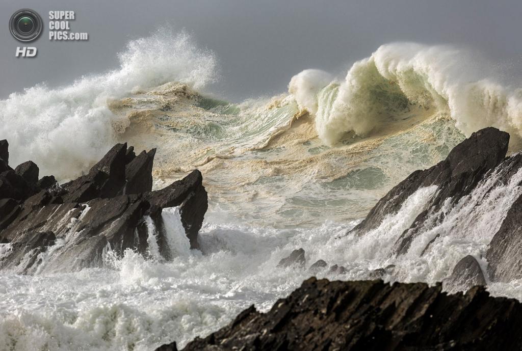 «Идеальный шторм». Место съемки: Ирландия. (Chris May/National Geographic Photo Contest)