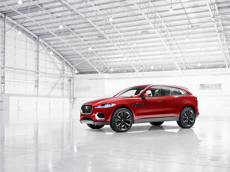 Вездеходный Jaguar цвета крови (13 фото)