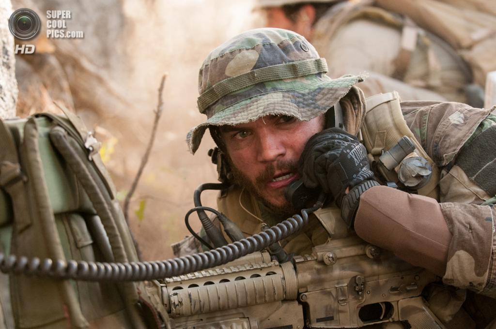 Военный фильм «Уцелевший» режиссёра Питера Берга. Номинирован в двух категориях: «Лучший звук», «Лучший звуковой монтаж». (Кадр из фильма)