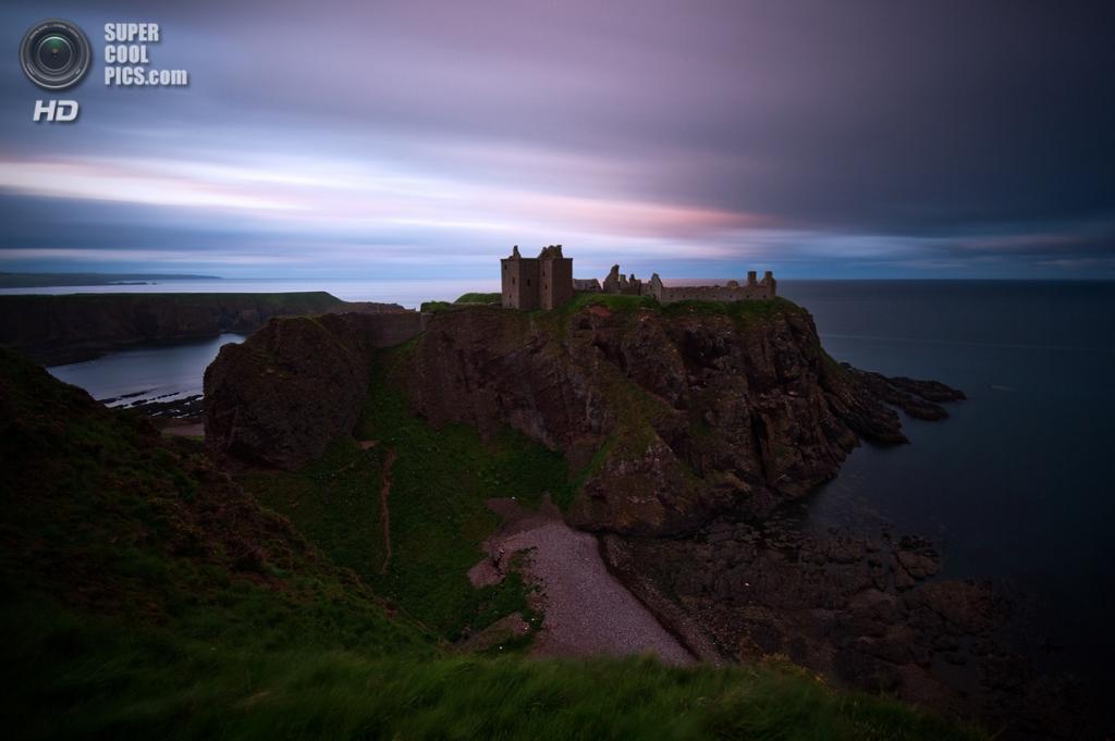 Великобритания. Абердиншир, Шотландия. Замок Данноттар. (Stefan Klaas)
