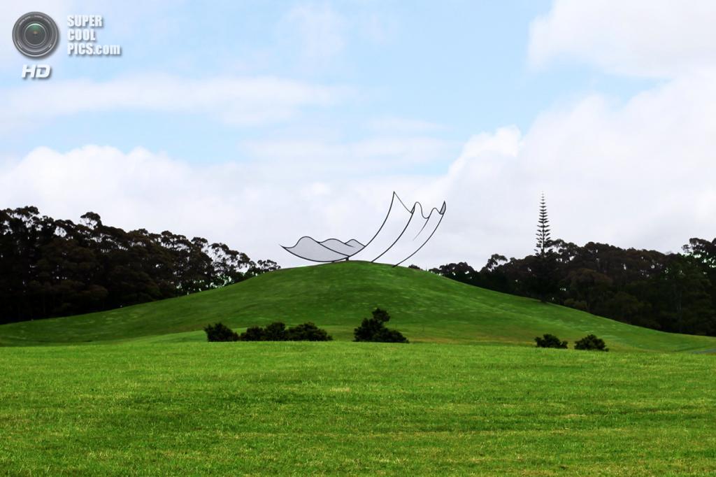 Новая Зеландия. Кайпара, Нортленд. Скульптура «Horizons» Нила Доусона в скульптурном парке Gibbs Farm. (James Hutchinson)