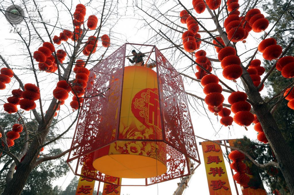 Китай. Пекин. 27 января. В преддверии Китайского Нового года. (REUTERS/Jason Lee)