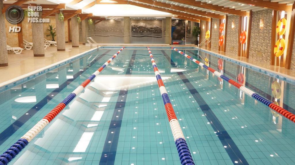 Крытый бассейн. (KCNA)