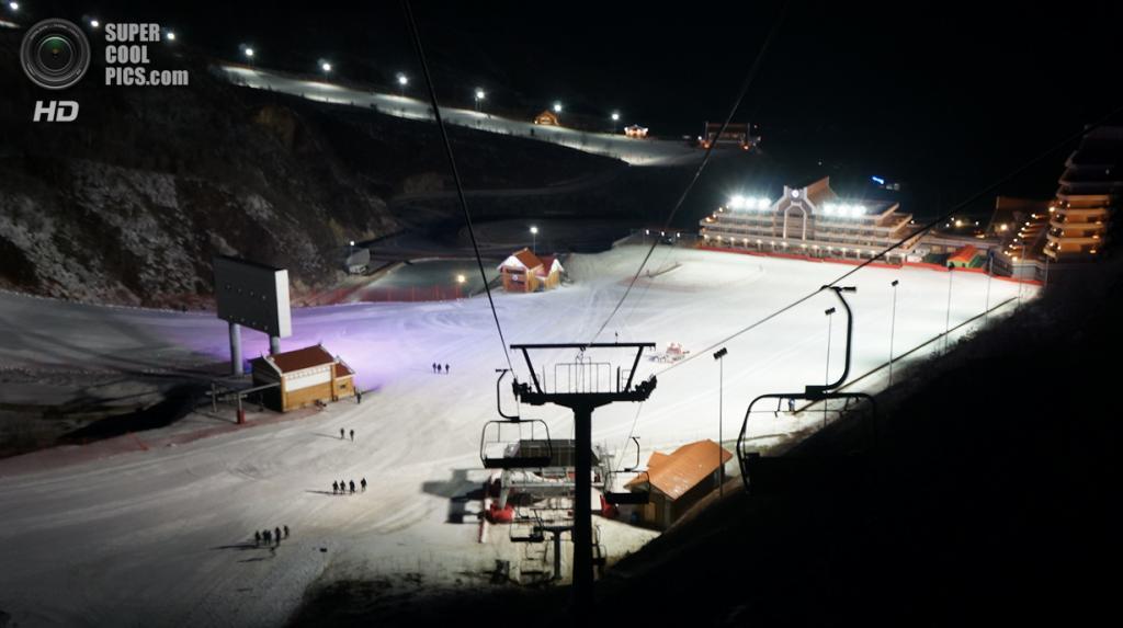 Подъёмники и трассы. (KCNA)