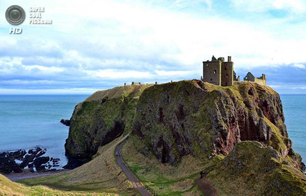 Великобритания. Абердиншир, Шотландия. Замок Данноттар. (gbhu)