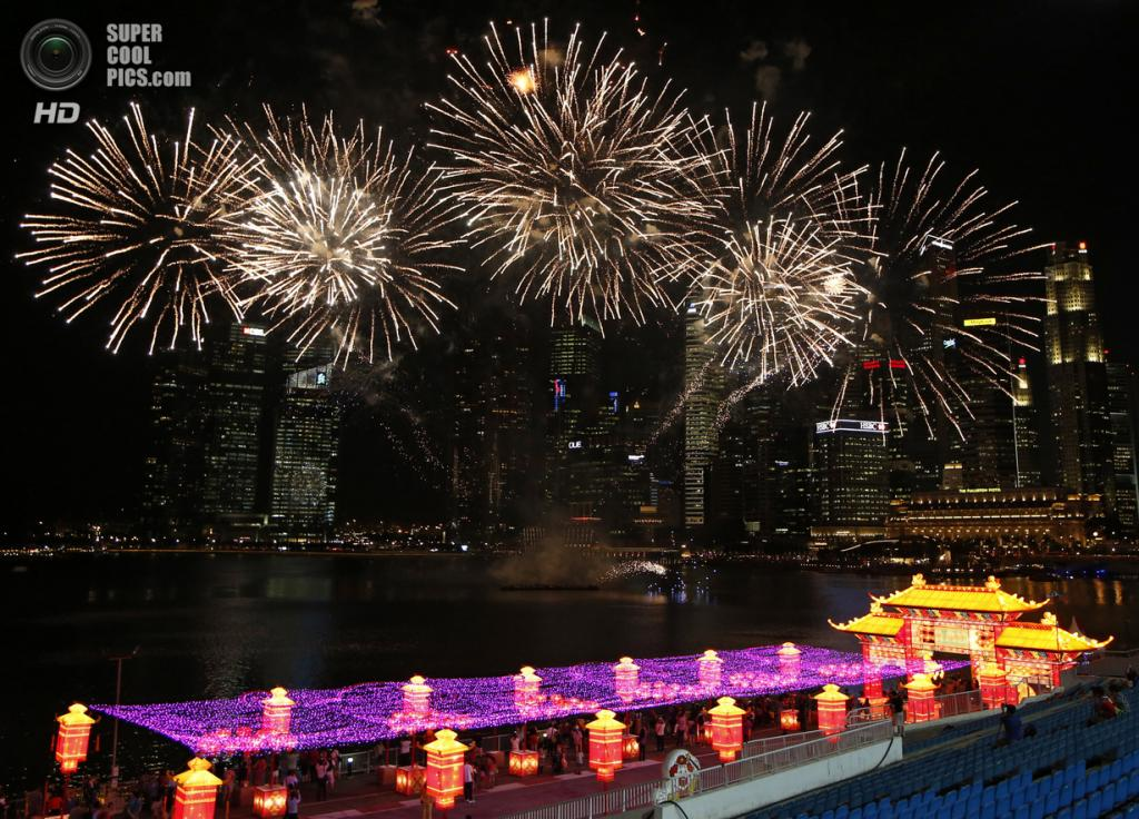 Сингапур. 29 января. В преддверии Китайского Нового года. (REUTERS/Edgar Su)