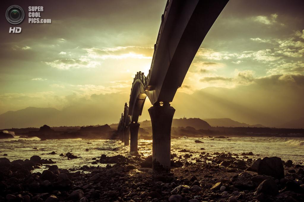 Тайвань. Тайдун. Живописная местность Саньсяньтай. (Alexander Synaptic)